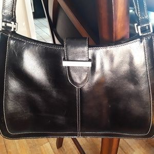 🛍️KENNETH COLE Black Leather Shoulder Bag🛍️